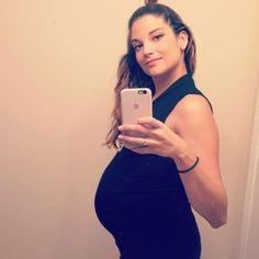 Alejandra Espinoza, Behati Prinsloo, Gisele Bundchen, Alessandra Ambrosio, Blake Lively, Natalia Jimenez, Pregnancy, Bodycon Dress, Selfie