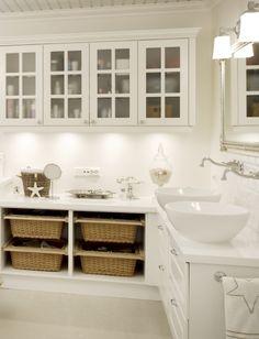 beachy bathroom sweet-sweet-life-living-by-the-salty-sea Mold In Bathroom, White Bathroom, Bathroom Laundry, Basement Bathroom, Bathroom Storage, Master Bathroom, Coastal Bathrooms, Beach Bathrooms, Room Deco