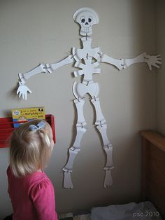 Paper Plate Skeleton Tutorial