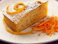 TORTA DI CAROTE http://www.unadonnaalpc.it/cucina/dolci/torta-di-carote/