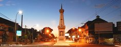 Tugu Jogja or the Jogja Monument becomes the landmark that is closely linked to Yogyakarta. There is a tradition to hug and kiss this monument after finishing the study in a university. Javanese, Yogyakarta, Cozy Place, The Visitors, Present Day, Cn Tower, Tourism, Museum, Architecture