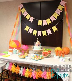 Check out this adorable Frozen In Summer Themed Birthday Party by SummerBloom! Perfect for any little girl in love with all things Olaf and Frozen! Olaf Birthday Party, Frozen 3rd Birthday, Mary Birthday, Olaf Party, Summer Birthday, Frozen Party, 3rd Birthday Parties, 4th Birthday, Birthday Ideas