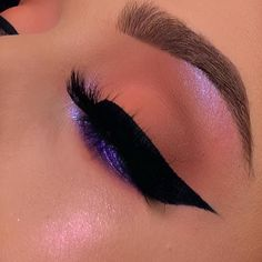 Learn How To sell your photos online easily And Make Profits. Makeup Inspo, Makeup Inspiration, Makeup Tips, Beauty Makeup, Hair Makeup, Makeup Ideas, Beauty Tips, Eyeliner Looks, Eyeshadow Looks