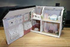 Miniature Dollhouse scale 1/144.Casa de muñecas escala 1/144. €23,95, via Etsy.