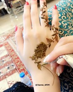 # Mashaallah your thoughts with the flowers 🌸🌿, Henna Tattoo Designs Arm, Finger Henna Designs, Simple Arabic Mehndi Designs, Mehndi Designs Book, Mehndi Designs 2018, Stylish Mehndi Designs, Mehndi Design Pictures, Mehndi Designs For Girls, Latest Henna Designs