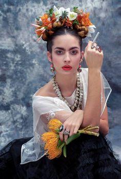 Resultado de imagem para look frida kahlo
