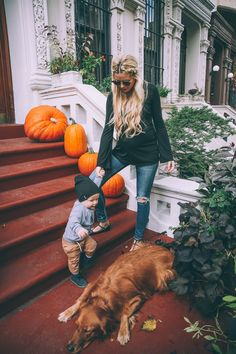 Autumn with Kids and Doggie / Stile Mamma. Autunno con Bambini e Cagnolone Cute Family, Family Goals, Family Kids, Happy Family, Little People, Little Ones, Cute Kids, Cute Babies, Freddie Reign