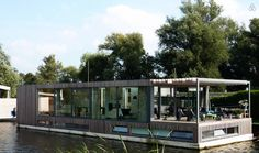 10 Incredibly Amazing Houseboats You Dream of Owning