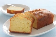 Pound Cake with Salted Butter, Granulated Sugar, Large Eggs, All Purpose Flour, Baking Powder. Original Pound Cake Recipe, Basic Pound Cake Recipe, Pound Cake Recipes, Almond Pound Cakes, Sour Cream Pound Cake, Food Cakes, Baker Recipes, Dessert Recipes, Canned Frosting