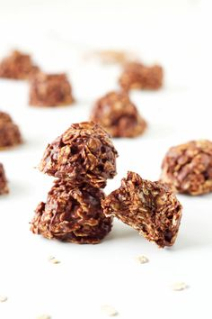 No Bake Chocolate Cookies (Healthier)   Recipe Runner   Your favorite no bake cookies made a little healthier! #cookies #chocolate #peanutbutter
