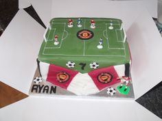 Manchester united football cake