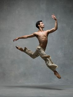 Kleber Rebello, Principal dancer, Miami City Ballet, with NYC Dance Project Ballet Poses, Male Ballet Dancers, Dance Poses, Art Poses, Human Poses Reference, Pose Reference Photo, Hand Reference, Gesture Drawing Poses, Drawing Tips