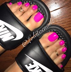 """284 Likes, 4 Comments - Perfect Feet For You (@perfectfeetforyou) on Instagram: """"Follow IG @lolatoenailz  Lovely Purple Toes Toe Rings !!! Perfect Feet For You •…"""""""
