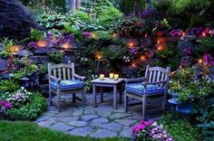 outdoor living spaces and backyard decorating ideas