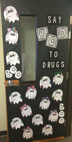 Drug Free Door Decorations, School Door Decorations, Halloween Activities, Holiday Activities, Halloween Projects, Door Decorating, Pumpkin Decorating, Classroom Board, Classroom Decor