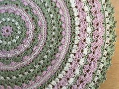 Virkhönas blogg: Virkad Mandaladuk Crochet Mandala, Crochet Doilies, Crochet Patterns, Blanket, Rugs, Blogg, Hand Crafts, Crocheting, Romance