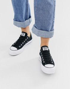 Converse chuck taylor ox platform black sneakers. #converse #sneakers #platformsneakers #activewear Converse Chuck Taylor White, Black Chucks, Black Sneakers, Slip On Sneakers, Platform Sneakers, Chuck Taylor Sneakers, Leather Sneakers, Black Chuck Taylors, Converse Star