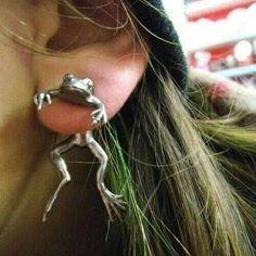 #frog #earrings #fashun Ear Jewelry, Cute Jewelry, Jewlery, Hippie Jewelry, Jewelry Ideas, Jewelry Accessories, Unique Jewelry, Accesorios Casual, Ear Piercings