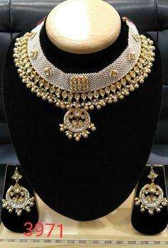 Pacchi kundan Available at Ankh Jewels For booking WhatsApp on Mughal Jewelry, India Jewelry, Gold Jewelry, Jewelery, Jacket Lehenga, Kundan Set, Art Necklaces, Indian Jewellery Design, Jewelry Design Earrings