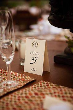 Numeração de mesas personalizada - Marie Eventos