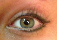 The best ways to Use Eyeliner – Eye Makeup Look Perfect Eyeliner, Eyeliner Looks, No Eyeliner Makeup, Permanent Eyeliner, How To Apply Eyeliner, Beauty Over 40, Eye Liner Tricks, Makeup Tricks, Makeup Tutorials