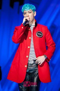 T.O.P.(BIGBANG) on Mnet M Countdown @20120315  Fantastic color!