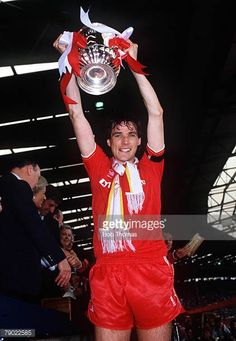 Football 1986 FA Cup Final Wembley May Liverpool 3 v Everton 1 Liverpool captain Alan Hansen proudly holds aloft the trophy Liverpool Captain, Liverpool Fans, Liverpool Football Club, This Is Anfield, Fa Cup Final, I Love My Wife, Everton, History, Sports