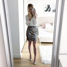 """Polubienia: 2,154, komentarze: 175 – @neecik na Instagramie: """"Kreacje sylwestrowe gotowe? Ciekawa jestem jakie macie plany  #goodmorning #whiteshirt #sequins…"""""""