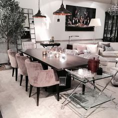 Some serious interior inspo at a furniture store in Gothenburg Dining Room Design, Dining Room Furniture, Office Furniture, Furniture Ideas, Furniture Design, Living Room Decor, Living Spaces, Home Interior Design, Room Interior