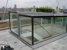 Dakterras. Glazing Vision Europe (Product) - Elektrisch dakluik Sliding Box, toegang voor dakterras, daktuin en groendak - architectenweb.nl