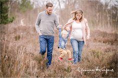 Yvonne Kuipers Foto-grafie - Lifestyle maternity session - Michael en Linda in Schoorl