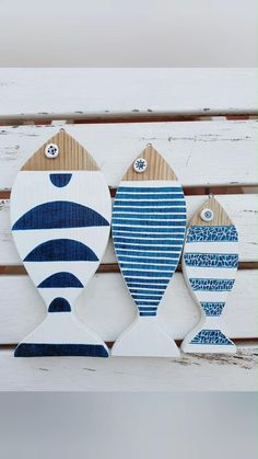 Bring the beach to your home with kemakubcn's coastal decor accent pieces and accessories. This simple and lovely beach decor piece will add a nautical touch to your home or make a great beach lovers gift.