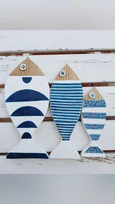 Fish Wall Decor, Fish Wall Art, Fish Art, Sea Glass Colors, Wood Fish, Beach Crafts, Driftwood Art, Weathered Wood, Beach House Decor