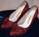 My Joyce of California print bow courts.