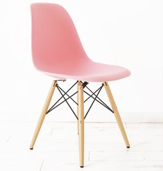 DSW Eames Plastic Side Chair in pink