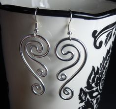 Spiral Waves Hypo Allergenic Earrings by melissawoods. Wire Wrapped Earrings, Wire Earrings, Earrings Handmade, Handmade Jewelry, Jewelry Crafts, Jewelry Art, Jewellery, Jewelry Ideas, Jewelry Rings