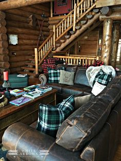 Great Room, Leather Couch, Log Cabin, Plaid