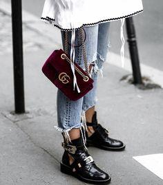 Gucci velvet bag - Balenciaga boots Always thought these boots were so cool. Balenciaga Boots, Gucci Boots, Gucci Jeans, Look Fashion, Winter Fashion, Womens Fashion, Fashion Trends, Fashion Boots, Catwalk Fashion