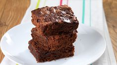 Make your vegan mates happy with our easy Vegan Chocolate Brownie recipe. Super yummy and deliciously moist, there's even a sneaky shortcut if you're low on time.