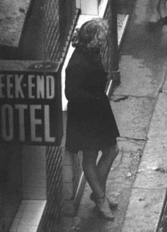 Robert Doisneau Rue Guérin Boiseau, Paris 1952