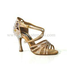 Sandalo in raso tan decorato con strass  #stepbystep #scarpedaballo #danceshoes #sandali #sandal #salsa #bachata #kizomba #tango #bronzo #strass #rhinestones #raso