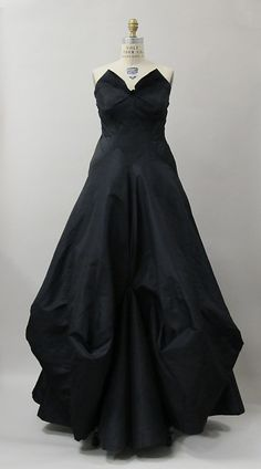 Evening Dress Charles James, 1938 The Metropolitan Museum of Art