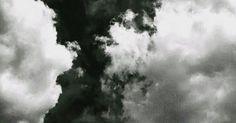 Parecieran dos nubes gritándose