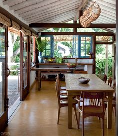 Super outdoor patio dining home ideas Bamboo House Design, Bg Design, Modern Sliding Doors, Rest House, Patio Dining, Outdoor Dining, Dining Rooms, Patio Wall, Dining Area