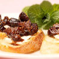 Madonna Inn Cheese & Fig Crostini ♥ Touring & Tasting