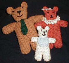 The Three Bears free crochet pattern by Kelly Luljak.