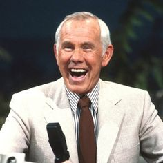 Johnny Carson - The Tonight Show. When he laughed what preceded it was priceless. LOVED his show. Here's Johnny, Johnny Carson, Old Tv Shows, Movies And Tv Shows, Denis Villeneuve, People Laughing, Portraits, Just Smile, Before Us