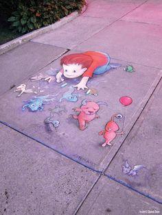 David Zinn is a passionate sidewalk chalk artist who creates playful street art with a sense of humor. Street Art Banksy, 3d Street Art, Street Artists, Graffiti Artists, Chalk Artist, 3d Chalk Art, David Zinn, Pablo Picasso, Chalk Pictures