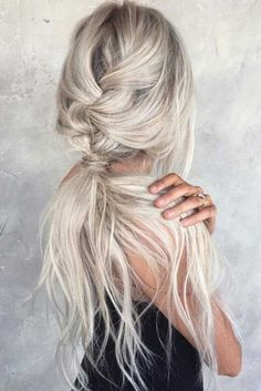 Long Hairstyle Ideas For Christmas 191