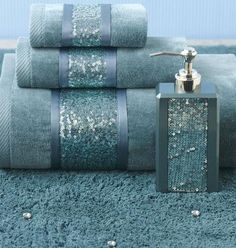 Add some BLING to your bathroom decor! #AnnasLinens #BathroomDecor